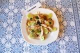 Готовое блюдо: салат с куриной грудкой