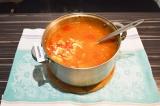 Шаг 6. Добавить картофель, заправку и сыр, и варить до готовности картофеля 20 м