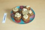 Готовое блюдо: кексы с кокосовой сгущенкой