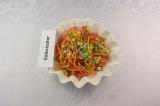 Готовое блюдо: салат морковно-кукурузный