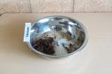 Шаг 5. Соединить ингредиенты для коржа и тщательно перемешать.