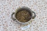 Шаг 1. Отварить чечевицу в подсоленной воде до полного впитывания жидкости.