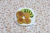 Готовое блюдо: котлеты из чечевицы и капусты