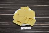 Шаг 6. Листы лазаньи отварить в 1 литре подсоленной воды в течение 10 минут.