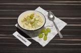 Готовое блюдо: фруктовый салат с ряженкой