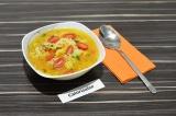 Готовое блюдо: рисовый суп с овощами