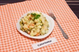 Готовое блюдо: зимний салат с сыром