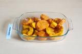 Шаг 4. Выложить в форму и запекать в духовке 7 минут при 160 С.
