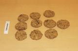 Шаг 7. Слепить небольшие плоские печенья.