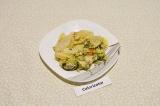 Готовое блюдо: картошка запеченная с брокколи