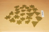 Шаг 6. Вырезать печенье формочками или нарезать любой формы. Выпекать в духовке