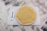 Шаг 5. Тортилью смазать соусом из нута.
