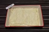 Шаг 6. Накрыть капусту второй половиной теста, хорошо защипнуть края и сделать