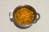 Шаг 7. Затем добавить воду и варить под закрытой крышкой до готовности картошки