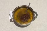 Шаг 8. Добавить в суп готовую фасоль, перемешать и досолить по вкусу. Томить на