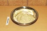Шаг 6. Соединить тофу с мукой.