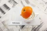 Шаг 3. Из апельсина выжать сок.