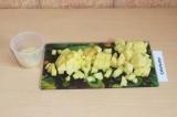 Шаг 5. Добавить рис и картофель в суп и проварить еще минут 15.