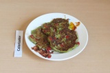 Готовое блюдо: кабачковые оладушки