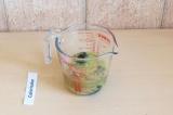 Шаг 4. Добавить к шпинату все ингредиенты соуса и взбить блендером.