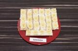 Готовое блюдо: бутерброды с творогом и бананом