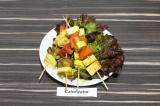 Готовое блюдо: вегетарианские шашлычки с тофу