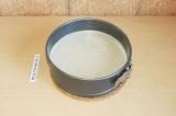Шаг 10. Вылить тофупанакоту на коржик. Поставить в холодильник до полного застыв