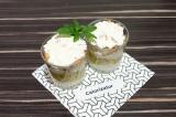 Готовое блюдо: творожный десерт с жареными фруктами
