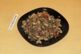Готовое блюдо: греча с мясом на сковороде